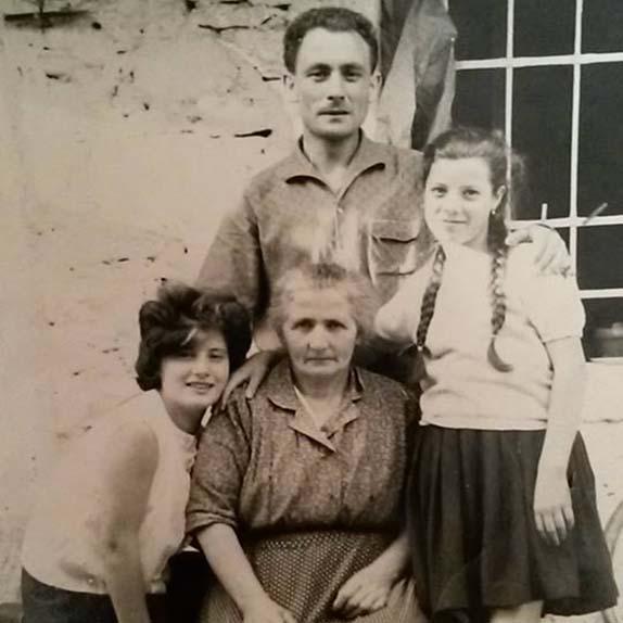 nonna con figli